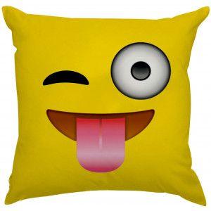 Almofada Emoji Piscando e Mostrando a Lingua
